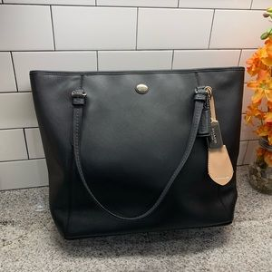 Coach Large Tote with zipper and pockets